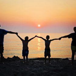 jak budować silną więź z dzieckiem